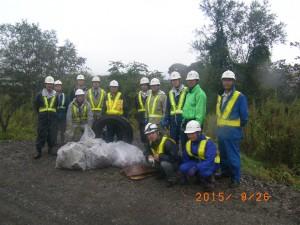 RIMG0048  作業終了後収集ゴミと参加者