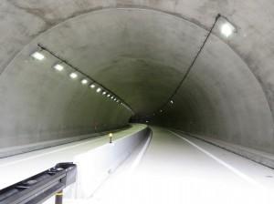 【岩手県盛岡市】新川目トンネル照明設備外工事が竣工しました。