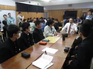 八戸工業高校電気科2年生と電気工事や地元就職の魅力について意見交換会を行いました。