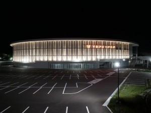 八戸市屋内スケート場建設事業強電設備工事が竣工いたしました。